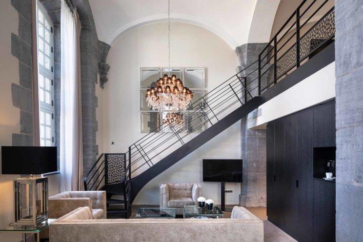 Chambre en duplex tout en décoration contemporaine