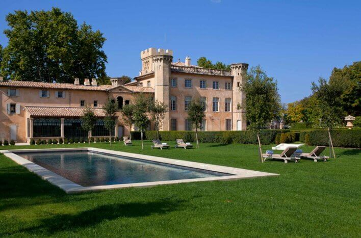 Villa provençale et piscine extérieure
