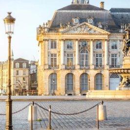 Que faire à Bordeaux, Place de la Bourse et fontaine des 3 grâces