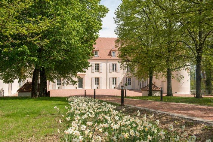 Façade du château du Bost