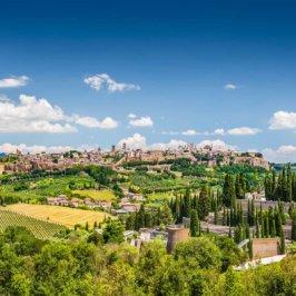 Vue de la vieille ville d'Orvieto