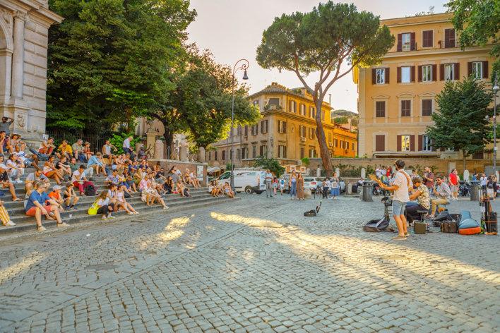 Piazza Trilussa dans le quartier de Trastevere à Rome