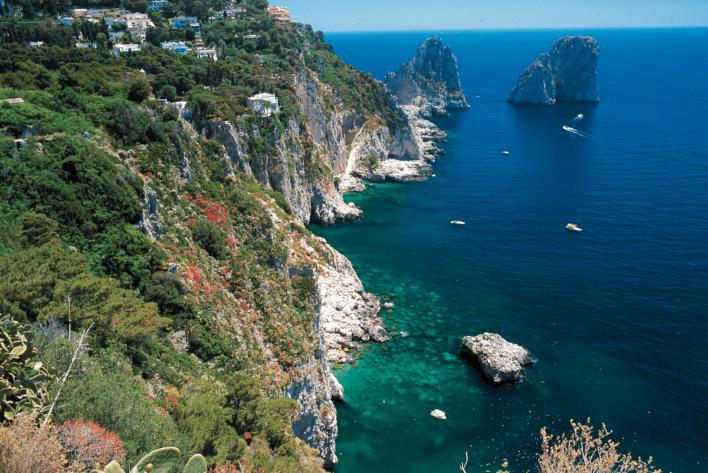 Faraglioni ©Aretur-Campania Turismo
