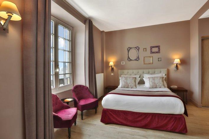 Chambre de l'hôtel Joyet de Maubec