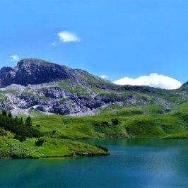 Vue de la montagne en panorama © PIRO4D