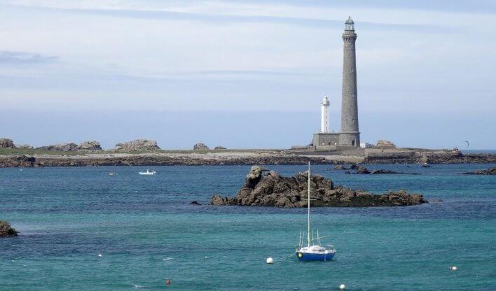 Phare de l'île vierge côte nord-ouest Bretagne
