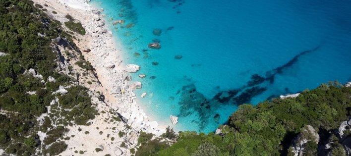 Crique en Sardaigne